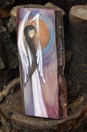 Anioł Wdzieczności - anioł w podziękowaniu dla rodziców od pary młodej podczas błogosławieństwa  Angel painted on wood