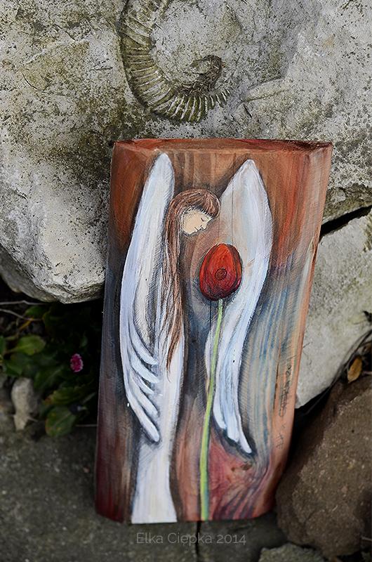 Anioł Wiosennego Nastroju - Anioł z tulipanem na prezent| Angel painted on wood