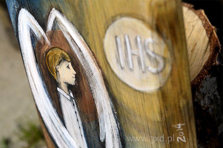 Anioł Komunijny jest doskonałym prezentem z okazji Pierwszej Komunii Świętej dla chłopca
