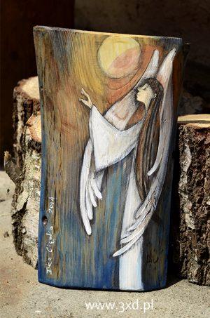 Anioł skąpany Słońcem - ręcznie malowany na drewnie  Angel painted on wood