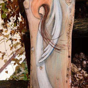 Anioł w Atmosferze Miłości | Oryginalny i niepowtarzalny Anioł ręcznie malowany na drewnie | Doskonały prezent na każdą okazję i dla każdego, komu życzymy miłości - odpowiedni zarówno na chrzciny, jak i komunię, a także na ślub oraz jako prezent w podziękowaniu dla Rodziców na weselu
