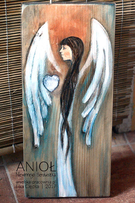 Anioł Niewinnego Serduszka to doskonały Anioł zarówno na chrzest jak i na komunię świętą