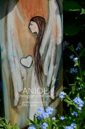Anioł Niewinnego Serduszka to oryginalny prezent na chrzest lub komunię