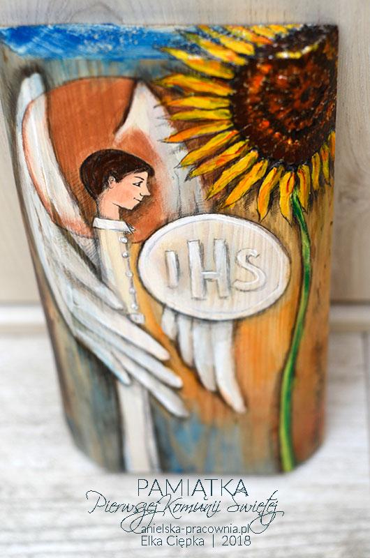 Anioł ręcznie malowany na drewnie - wyjątkowa pamiątka Pierwszej Komunii Świętej dla Chłopca