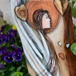 Anioł Miłości Wszechobecnej powinien znajdować w każdym domu i pod każdym dachem, bo nie ma lepszych życzeń jak życzenia pięknej szczerej i wszechobecnej miłości!