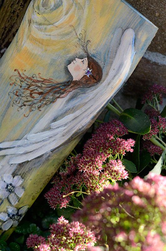 Anioł Dobro Czyniący przeznaczony jest dla tego, kto dobro roztacza wokół siebie